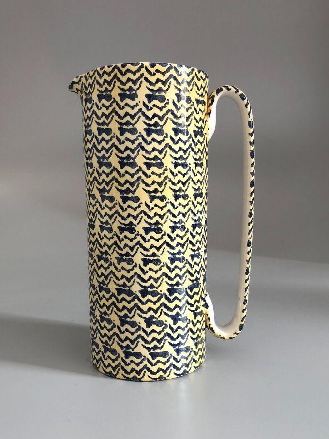 Serlio decorata a spugna zig zag caraffa in ceramica tornita a mano pezzo unico
