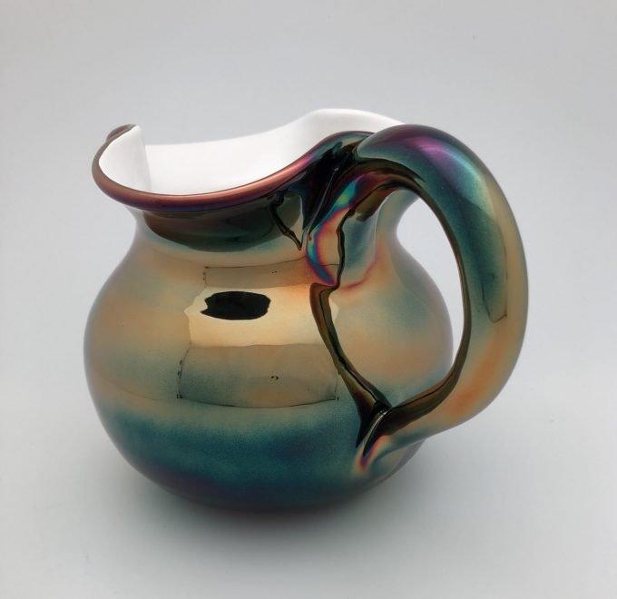 Tuttoattaccato caraffe in ceramica tornita a mano con finitura cangiante