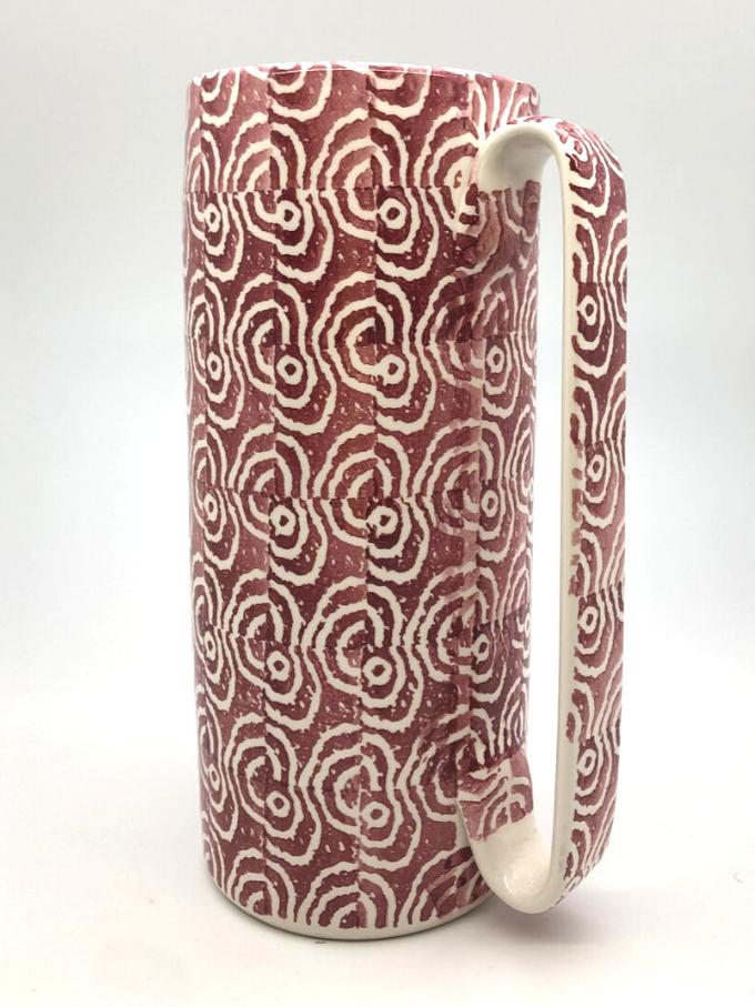 Brocca serlio in ceramica decorata a spugna motivo orecchioni bordeaux