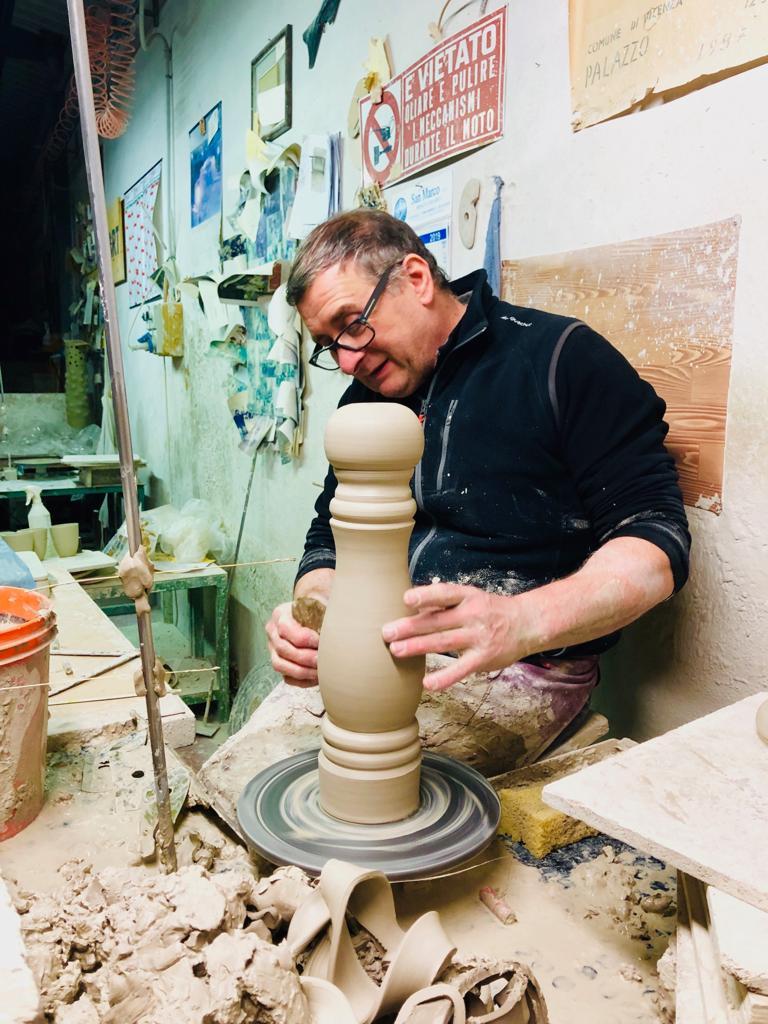 Ceramiche realizzate a mano TUTTOATTACCATO